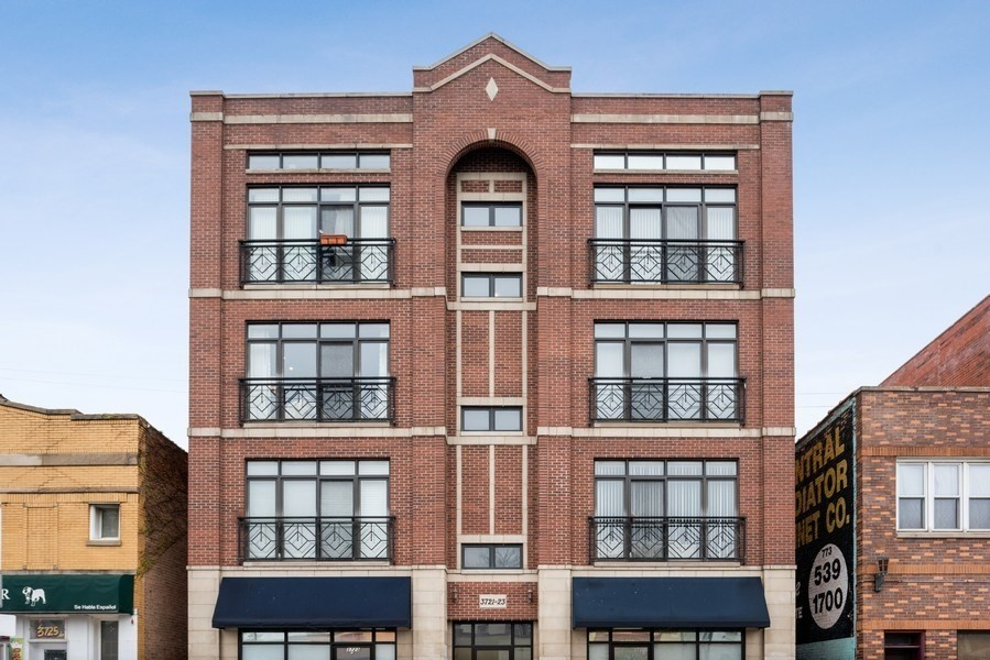 Real Estate Photography - 3721 N Elston Ave, Unit 4S, Chicago, IL, 60618 -