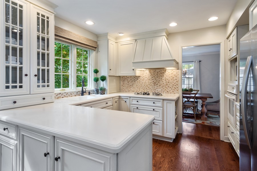 Real Estate Photography - 415 Westwood Drive, Barrington, IL, 60010 - Kitchen