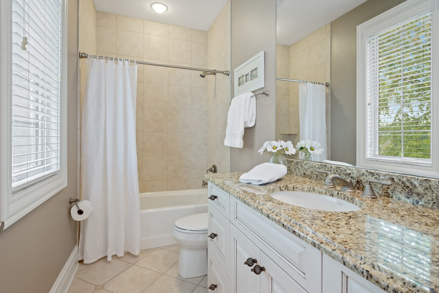 Real Estate Photography - 22106 N Greenmeadow Dr, Kildeer, IL, 60047 - Ensuite Bathroom