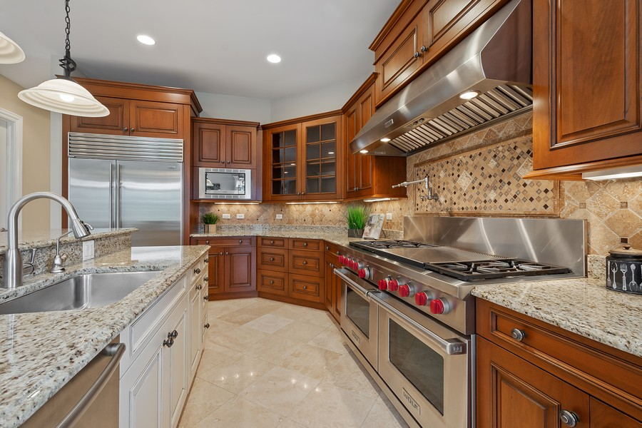 Real Estate Photography - 22106 N Greenmeadow Dr, Kildeer, IL, 60047 - Kitchen