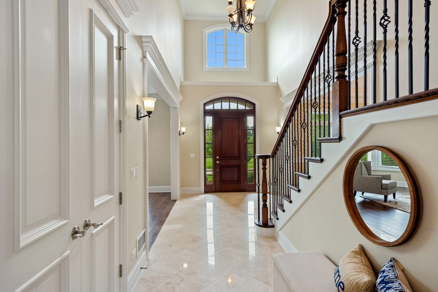 Real Estate Photography - 22106 N Greenmeadow Dr, Kildeer, IL, 60047 - Foyer