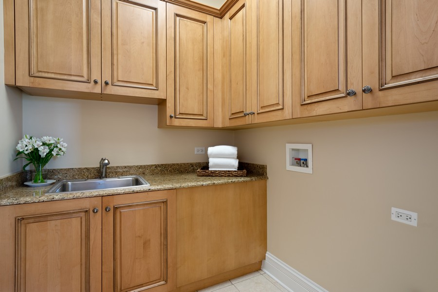 Real Estate Photography - 22106 N Greenmeadow Dr, Kildeer, IL, 60047 - Laundry Room