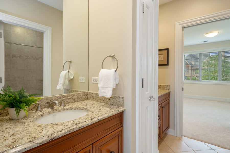 Real Estate Photography - 22106 N Greenmeadow Dr, Kildeer, IL, 60047 - Jack & Jill Bathroom