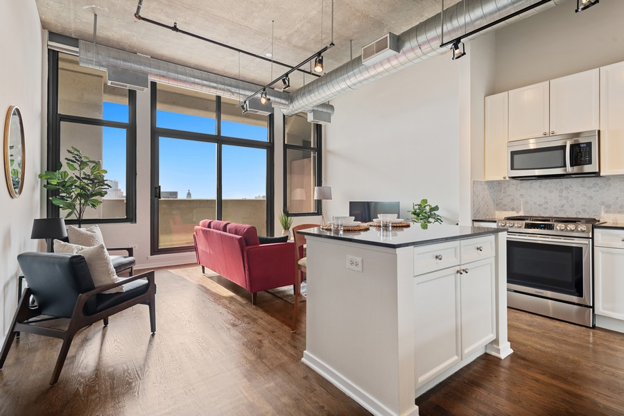 Real Estate Photography - 900 N Kingsbury St, Unit 820, Chicago, IL, 60610 - Living Room / Dining Room