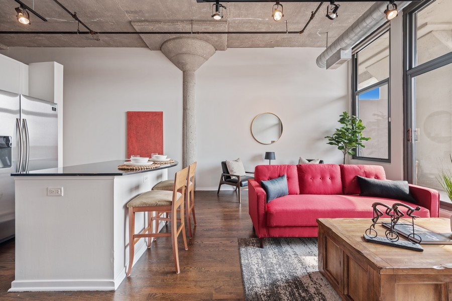 Real Estate Photography - 900 N Kingsbury St, Unit 820, Chicago, IL, 60610 - Living Room/Dining Room