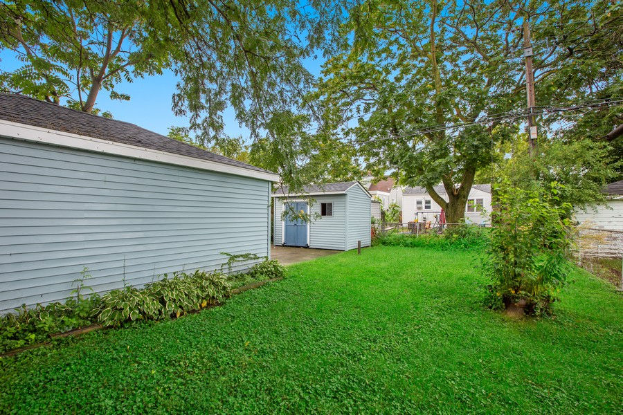 Real Estate Photography - 10324 S SAWYER AVENUE, CHICAGO, IL, 60655 - Back Yard