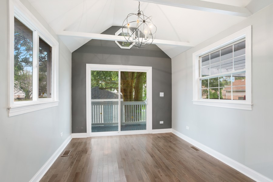 Real Estate Photography - 10324 S SAWYER AVENUE, CHICAGO, IL, 60655 - Family Room