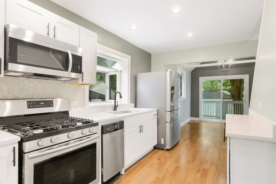 Real Estate Photography - 10324 S SAWYER AVENUE, CHICAGO, IL, 60655 - Kitchen