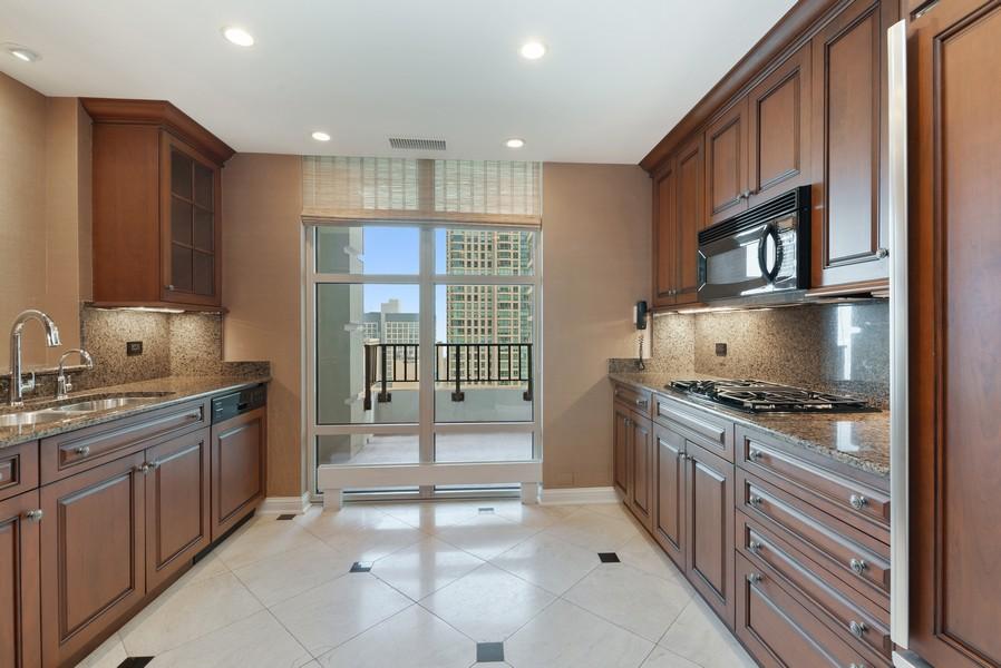 Real Estate Photography - 25 E Superior St, Unit 3605, Chicago, IL, 60611 - Kitchen