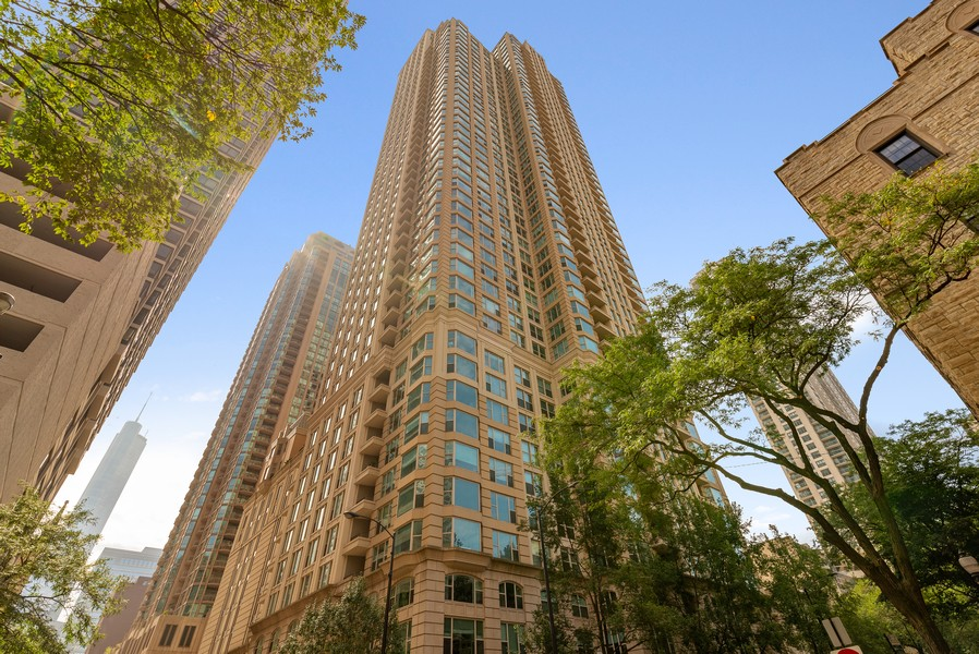 Real Estate Photography - 25 E Superior St, Unit 3605, Chicago, IL, 60611 - Front View