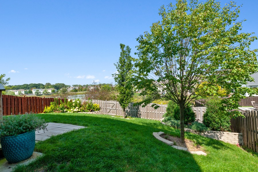 Real Estate Photography - 48 S Cornerstone, Volo, IL, 60020 - Back Yard