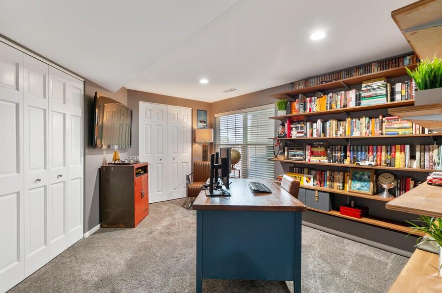 Real Estate Photography - 48 S Cornerstone, Volo, IL, 60020 - Office