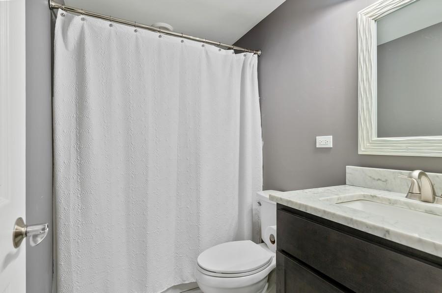 Real Estate Photography - 48 S Cornerstone, Volo, IL, 60020 - Bathroom