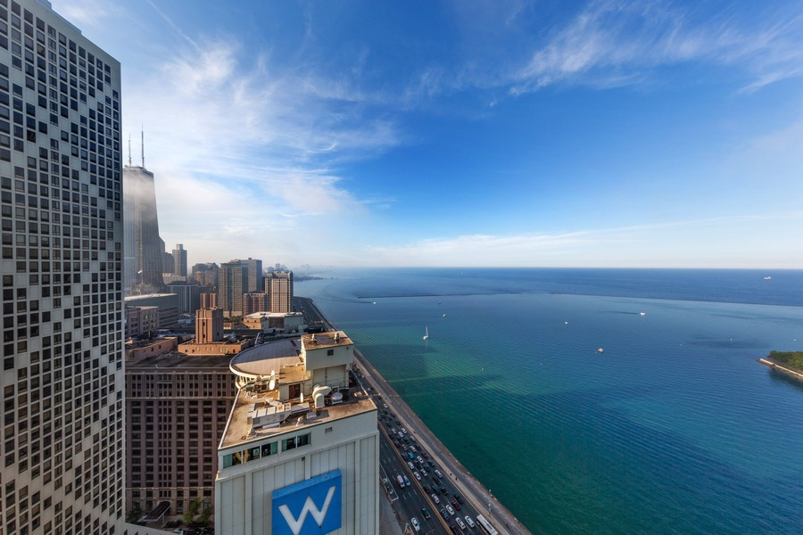Real Estate Photography - 600 N Lake Shore Dr, Unit 3501, Chicago, IL, 60611 - View