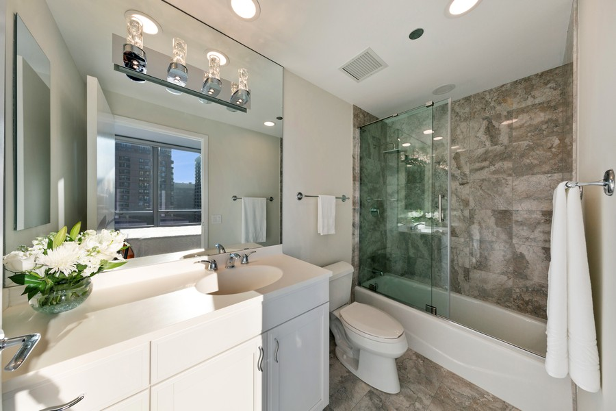 Real Estate Photography - 600 N Lake Shore Dr, Unit 3501, Chicago, IL, 60611 - Bathroom