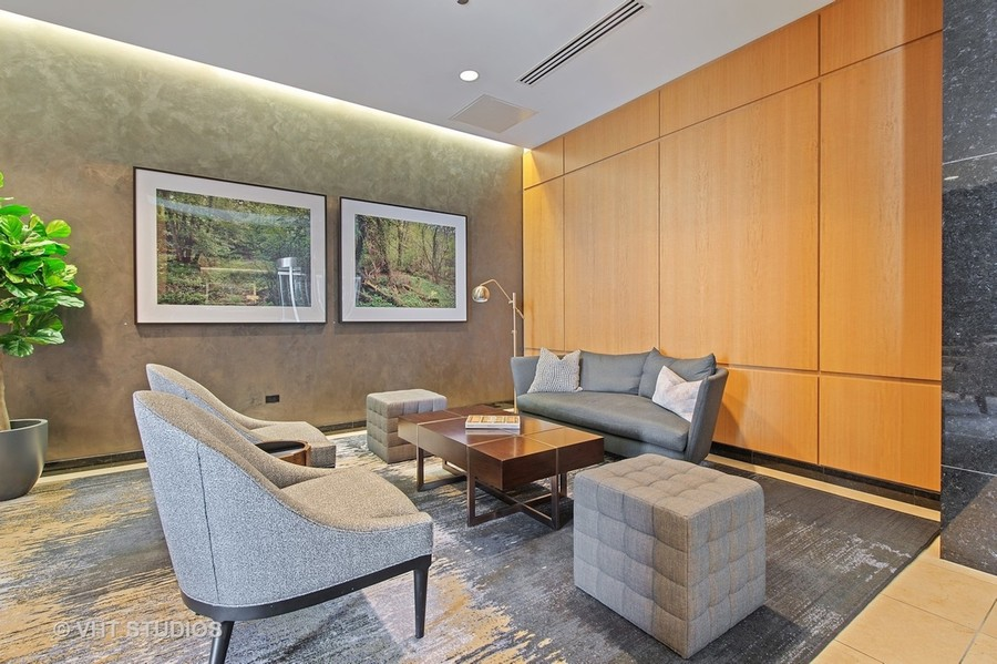 Real Estate Photography - 600 N Lake Shore Dr, Unit 3501, Chicago, IL, 60611 -