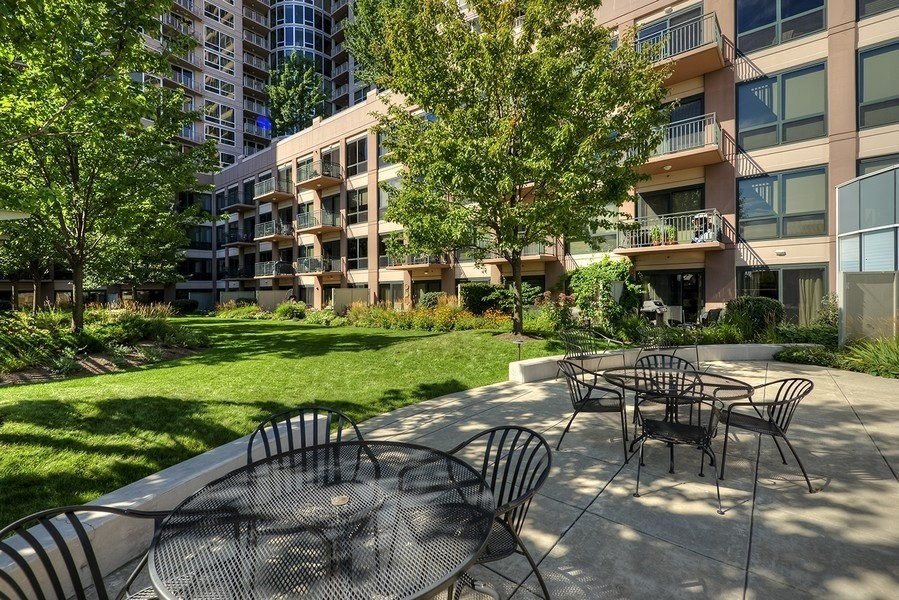 Real Estate Photography - 807 Davis Street, 504, Evanston, IL, 60201 - Sherman Plaza--Rooftop Terrace