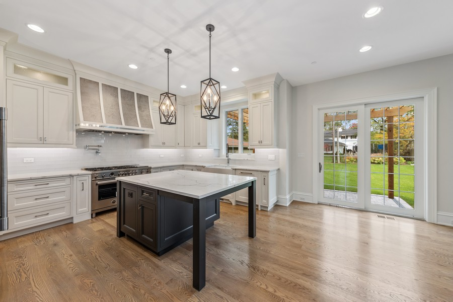 Real Estate Photography - 5341 Lawn Ave, Western Springs, IL, 60558 - Kitchen