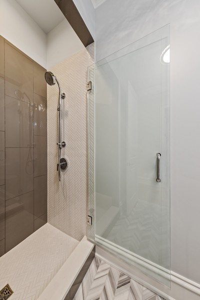 Real Estate Photography - 5341 Lawn Ave, Western Springs, IL, 60558 - Powder Room
