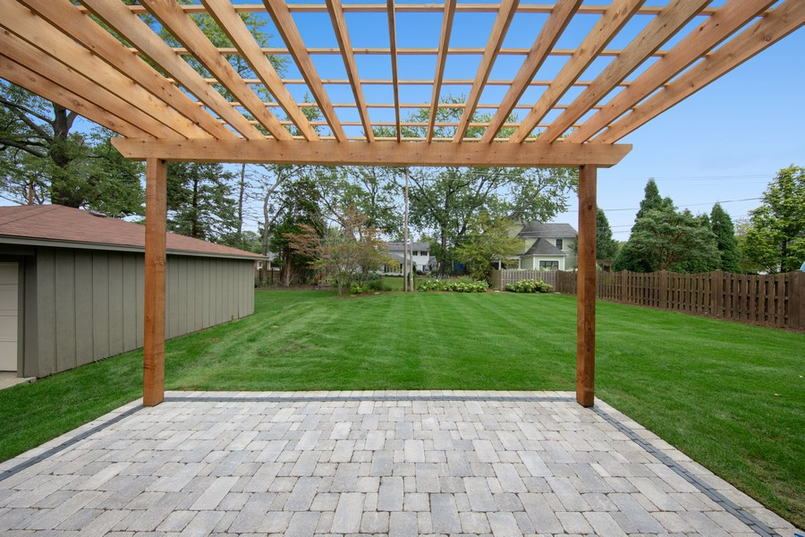 Real Estate Photography - 5341 Lawn Ave, Western Springs, IL, 60558 - Back Yard