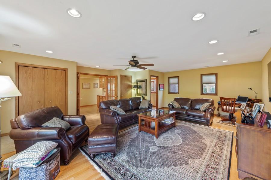 Real Estate Photography - 0S480 S Poplar Ave, Elmhurst, IL, 60126 - Living Room