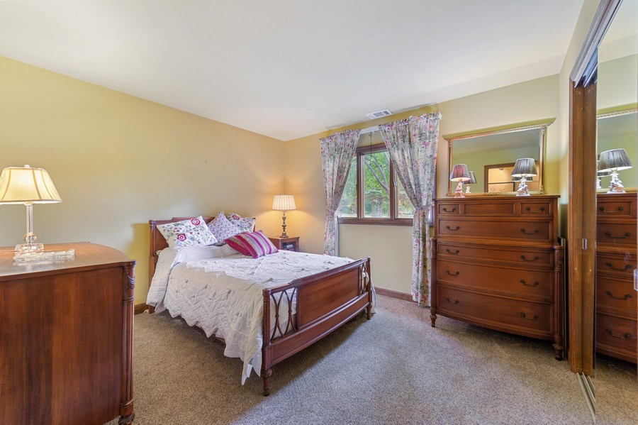 Real Estate Photography - 0S480 S Poplar Ave, Elmhurst, IL, 60126 - Bedroom