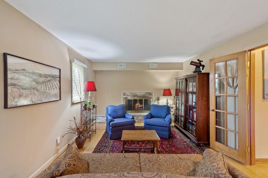 Real Estate Photography - 0S480 S Poplar Ave, Elmhurst, IL, 60126 - Family Room