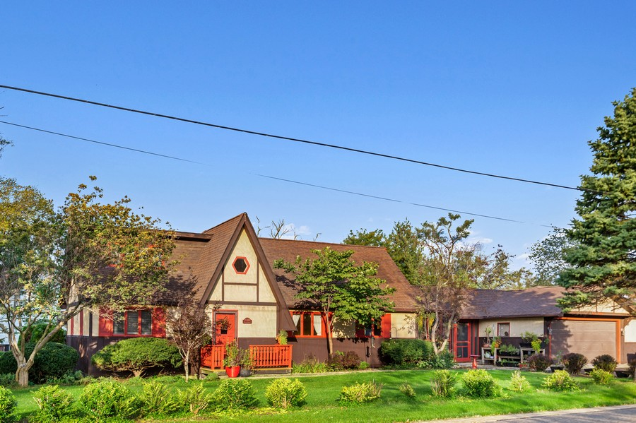 Real Estate Photography - 0S480 S Poplar Ave, Elmhurst, IL, 60126 - Front View