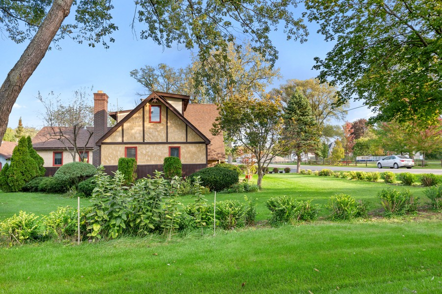 Real Estate Photography - 0S480 S Poplar Ave, Elmhurst, IL, 60126 - Side View