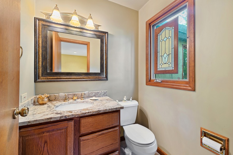 Real Estate Photography - 0S480 S Poplar Ave, Elmhurst, IL, 60126 - Bathroom