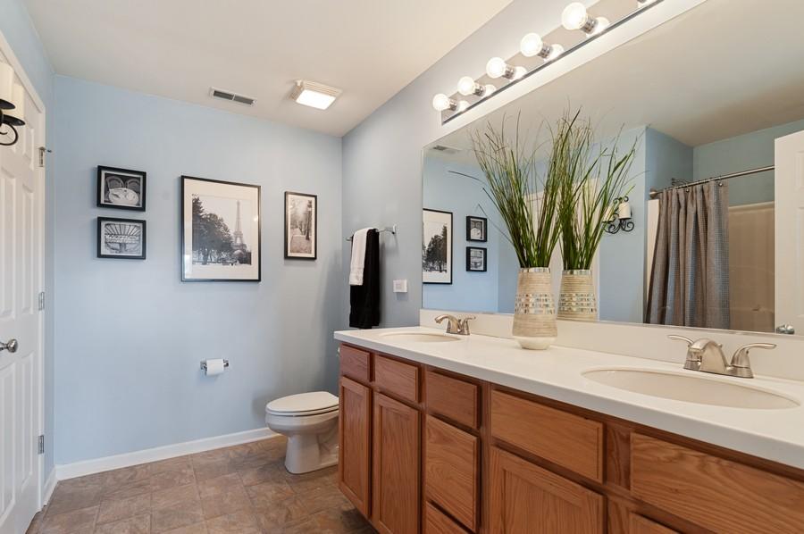 Real Estate Photography - 290 Bedford, Volo, IL, 60073 - Master Bathroom