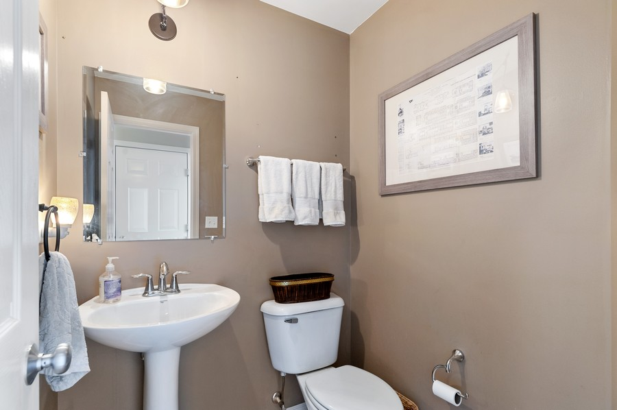 Real Estate Photography - 290 Bedford, Volo, IL, 60073 - Powder Room