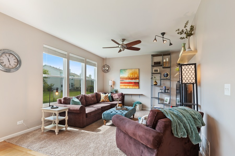 Real Estate Photography - 290 Bedford, Volo, IL, 60073 - Family Room