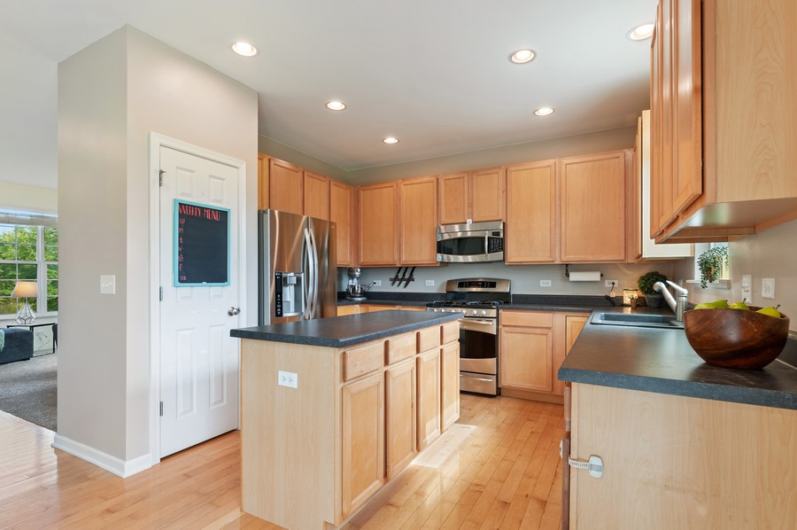 Real Estate Photography - 290 Bedford, Volo, IL, 60073 - Kitchen