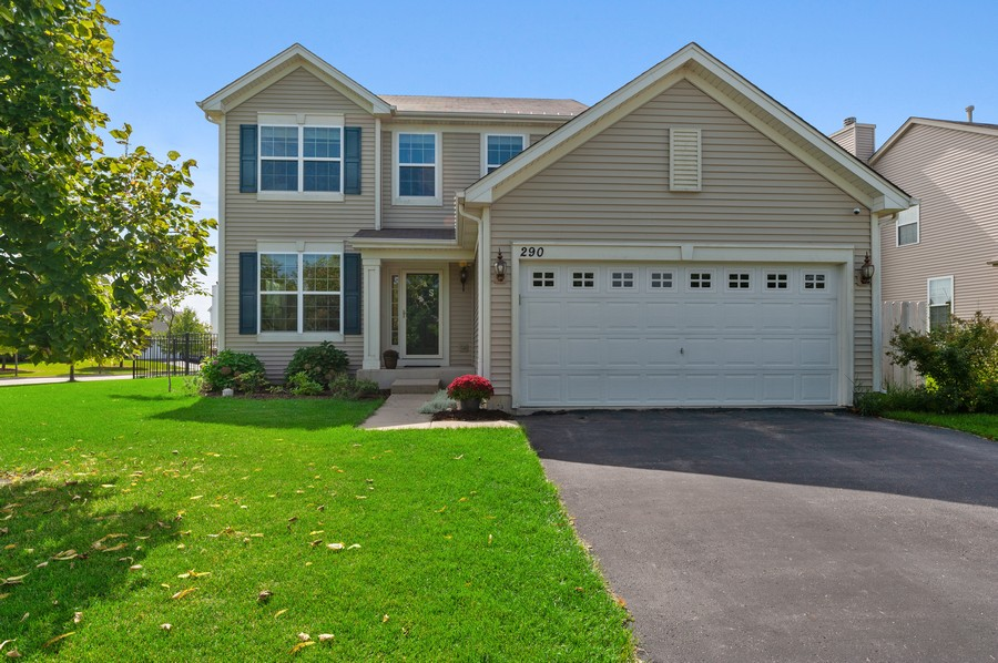 Real Estate Photography - 290 Bedford, Volo, IL, 60073 - Front View