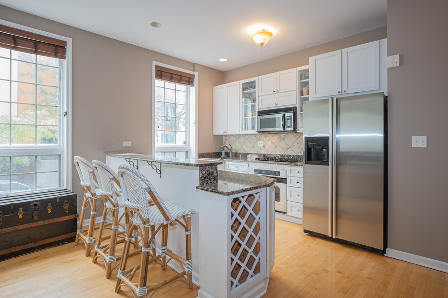 Real Estate Photography - 847 N Hermitage, Unit B, Chicago, IL, 60622 - Kitchen