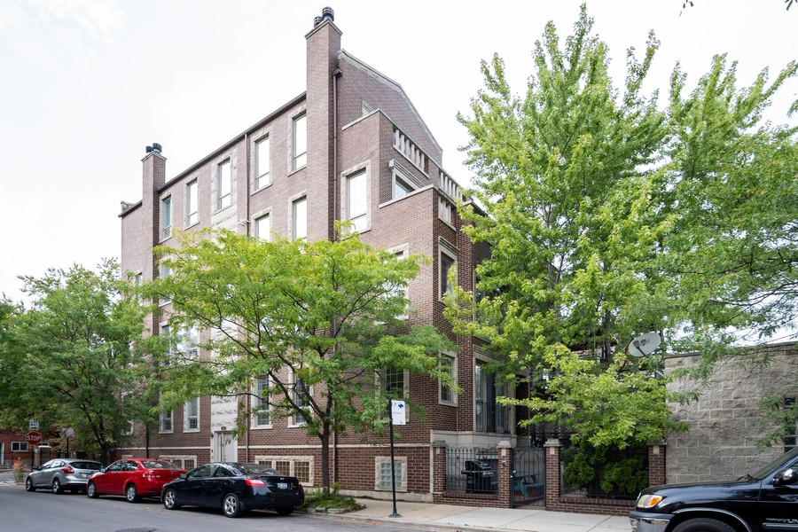 Real Estate Photography - 847 N Hermitage, Unit B, Chicago, IL, 60622 - Front View