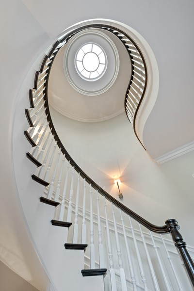 Real Estate Photography - 84 Dundee Ln, Barrington Hills, IL, 60010 - Staircase with Domed Skylight