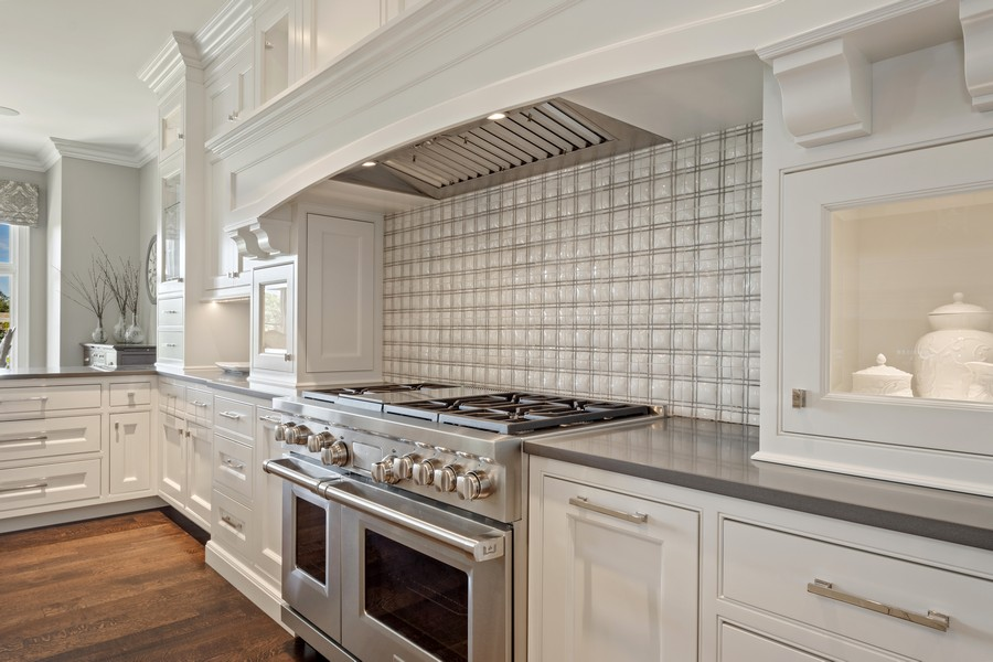Real Estate Photography - 84 Dundee Ln, Barrington Hills, IL, 60010 - Wolf Range with Custom Back Splash & Hood