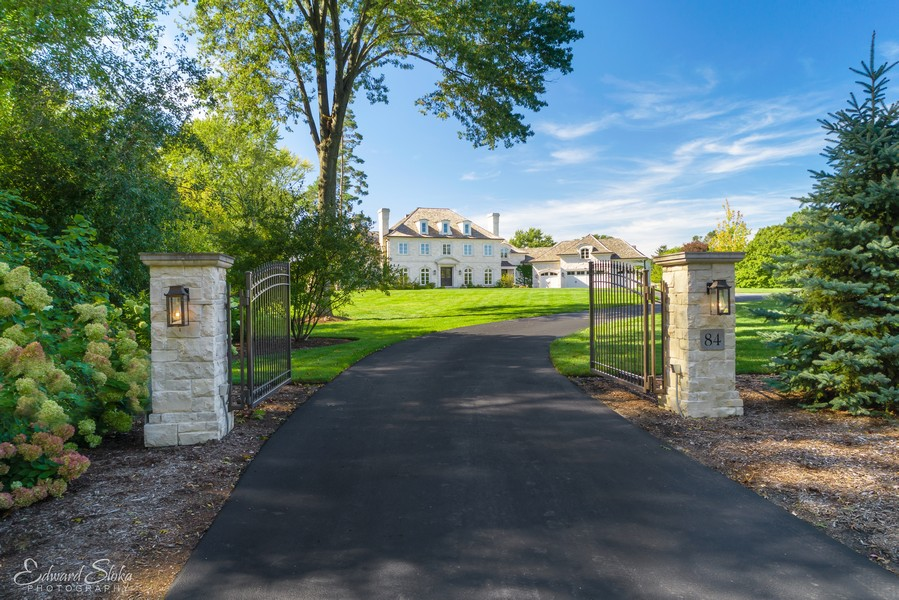 Real Estate Photography - 84 Dundee Ln, Barrington Hills, IL, 60010 - Gated Entry