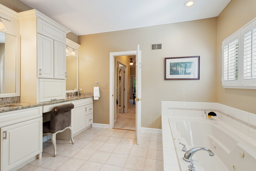 Real Estate Photography - 9 Lakeside Ln, North Barrington, IL, 60010 - Master Bathroom