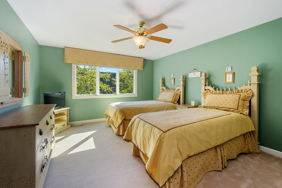 Real Estate Photography - 9 Lakeside Ln, North Barrington, IL, 60010 - 2nd Bedroom