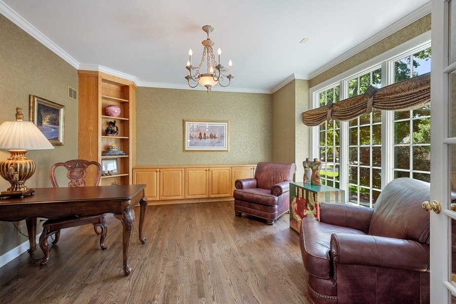 Real Estate Photography - 9 Lakeside Ln, North Barrington, IL, 60010 - Library