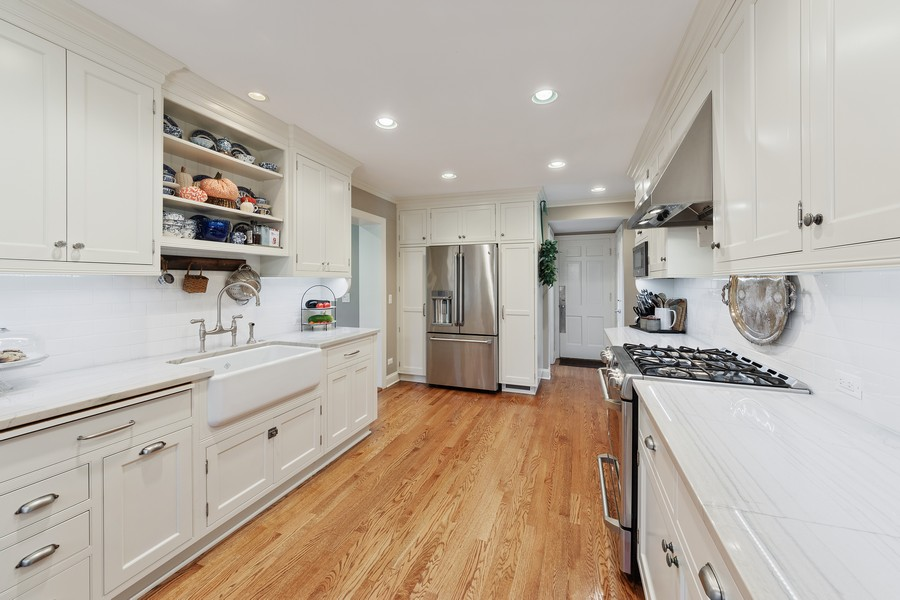 Real Estate Photography - 631 S Belmont, Arlington Heights, IL, 60005 - Kitchen