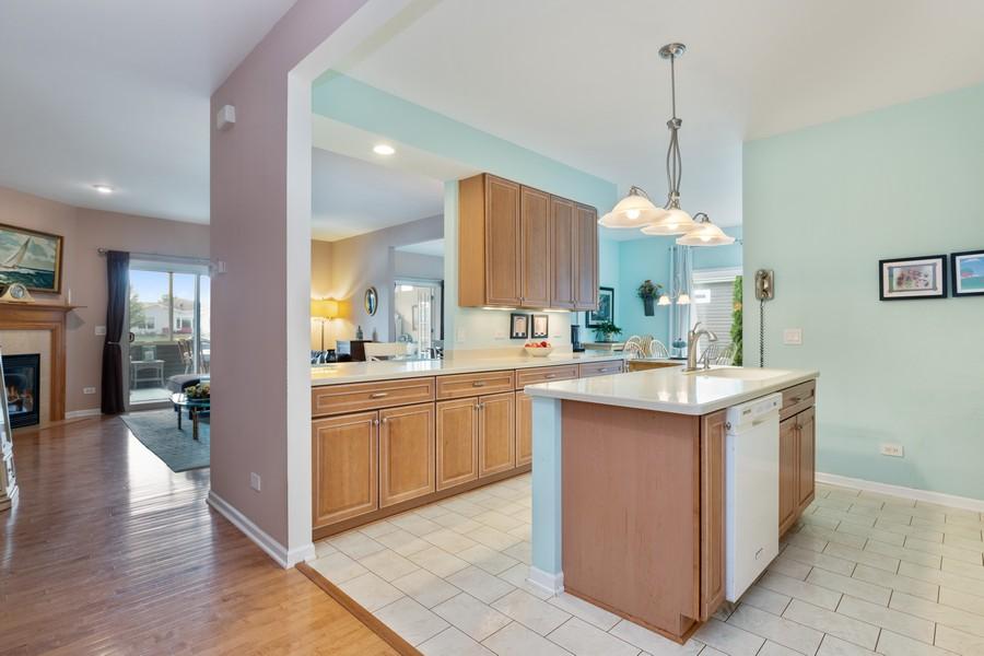 Real Estate Photography - 319 Legacy, Grayslake, IL, 60030 - Kitchen