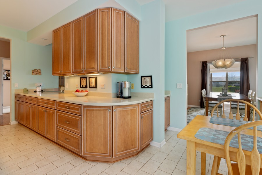 Real Estate Photography - 319 Legacy, Grayslake, IL, 60030 - Kitchen / Breakfast Room