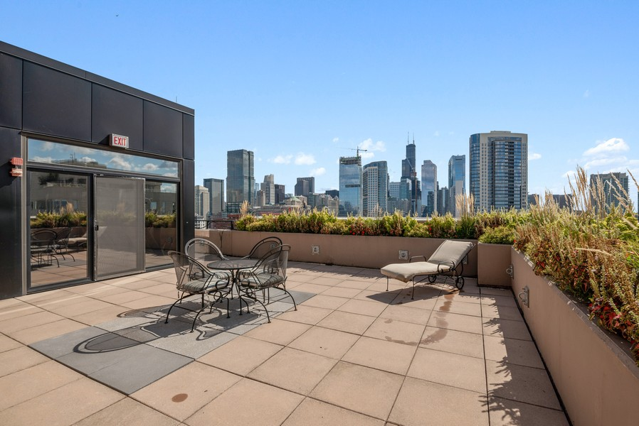 Real Estate Photography - 435 W Erie St, Unit 1102, Chicago, IL, 60654 - Deck