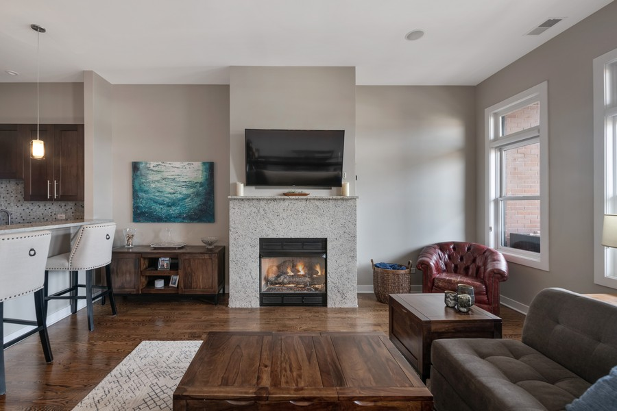 Real Estate Photography - 3432 N. Southport, PH, Chicago, IL, 60657 - Living Room