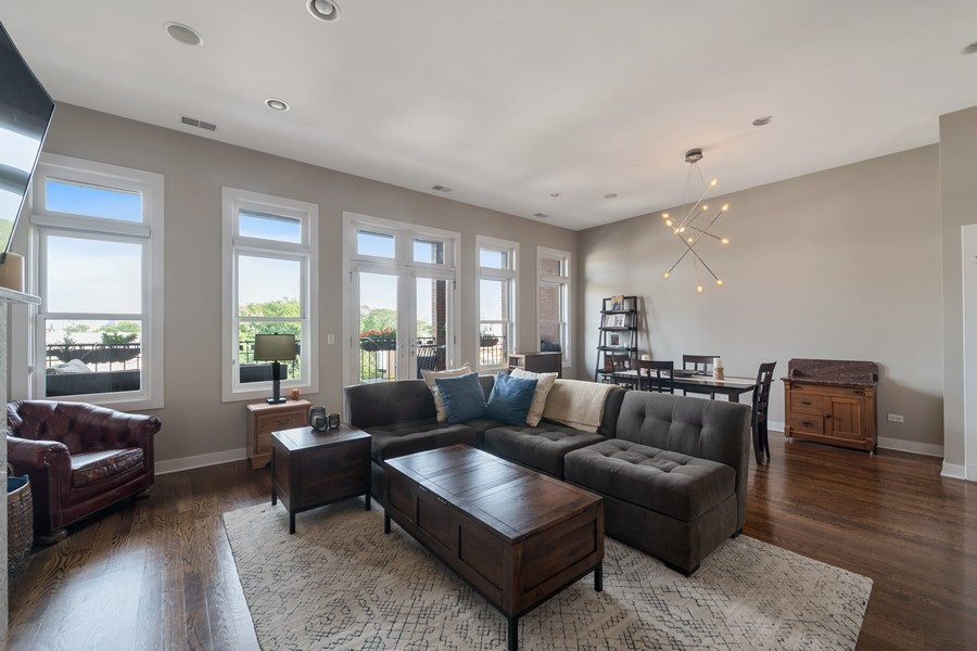 Real Estate Photography - 3432 N. Southport, PH, Chicago, IL, 60657 - Living Areas