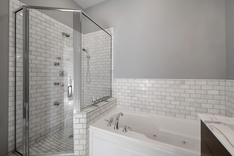 Real Estate Photography - 3432 N. Southport, PH, Chicago, IL, 60657 - Master Bathroom